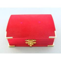 Zamatová krabička truhlica červená farba D450