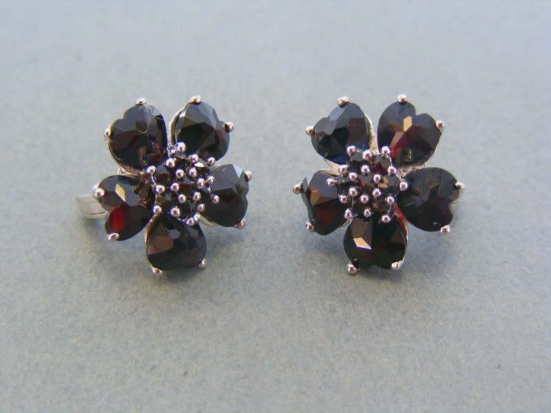 0f55e30fb Strieborné dámske náušnice kvet kameň český granát DAS678 925/1000 6.78g. Loading  zoom