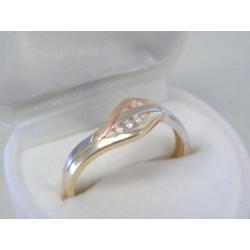 Jednoduchý dámsky zlatý prsteň trojité zlato,zirkóny DP59178V 14 karátov 585/1000 1,78 g